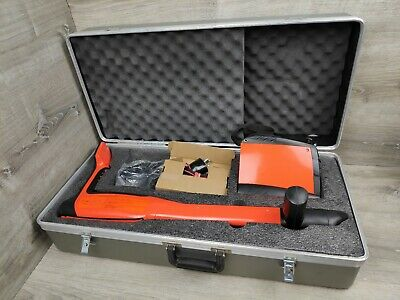 Metrotech 810DX Cable/Pipe Locator and Transmitter with Case A++