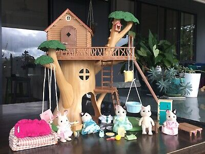 Sylvanian Families Tree House Plus Tuxedo Cat Family in Fab Pre-loved Condition