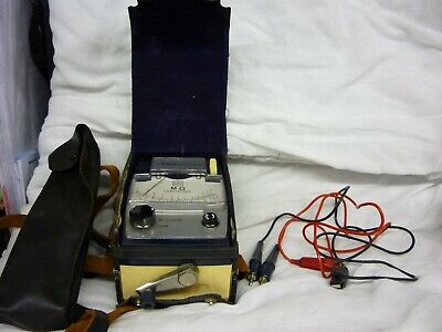 COSMOCORD Hand Wind MEGGER with Case and Leads in good used condition