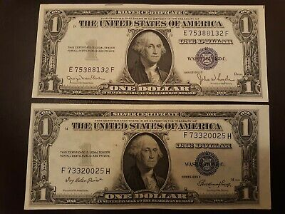 TWO 1935 D E $1 One Dollar Silver Certificate Bill Notes Slight error Note Nice