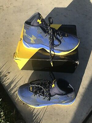 9eead4152134 UNDER ARMOUR CURRY 2.5 Boys Shoes