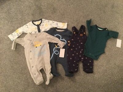 Mothercare New baby size Clothes 5 items New