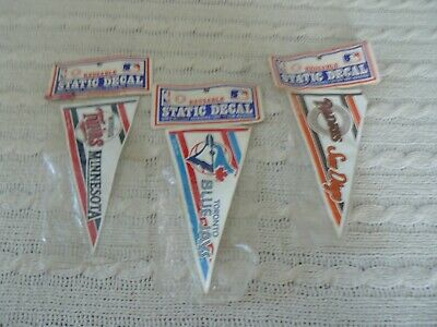 07ef5d09392 VINTAGE 1989 CHICAGO CUBS Pennant   Banner Shaped Static Decal Cling ...