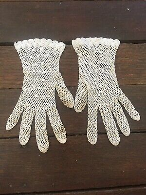 Vintage White Lace GLOVES Small Lady