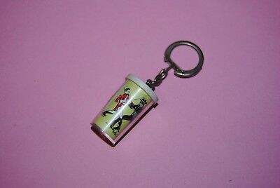 porte clé vintage ancien zorro disney moutarde grey poupon