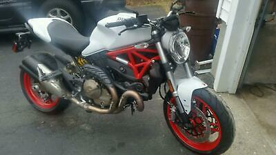 2015 Ducati Monster  Ducati Monster 821 2015 - female ridden - lowest miles