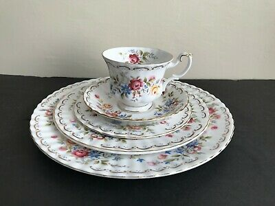 "Vtg ROYAL ALBERT BONE CHINA ""JUBILEE ROSE"" 6 PLACE SETTINGS TOTAL 30 PIECES"