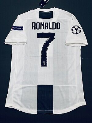 new style fcaed c1484 CRISTIANO RONALDO JERSEY Player Version Juventus Home Small