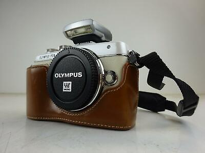 Olympus Pen Lite - E-PL7 Camera *BODY ONLY* with Flash and Leather Case