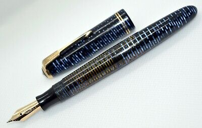 EXCELLENT Parker Vacumatic Junior Azure Blue Pearl fountain pen; 14 K;1949. Flex