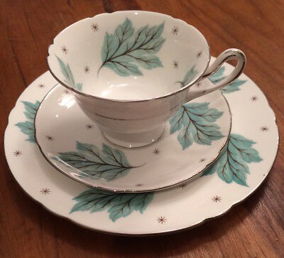 Shelley Drifting Leaves Trio Made in England, #13848, EXCELLENT