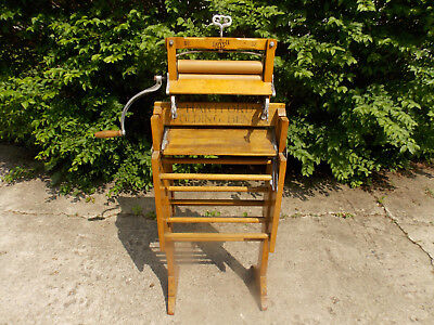Antique Lovell Clothes Wringer No. 32 W/ Lovell Wringer Stand (EX. COND) 3/20