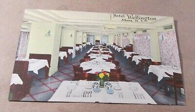 Old Postcard-[Early 1900]<ALBANY, NEW YORK>{ HOTEL WELLINGTON--DINING ROOM}