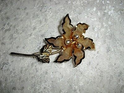 Mesh Petals & Faux Pearls Beautiful Vintage Shiny Gold Tone Flower Brooch.