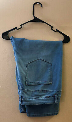 Avenue Women's Size 18 Denim Capris