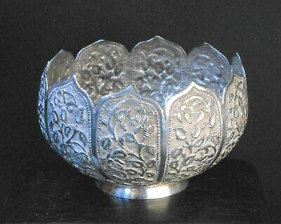 Superb 1890s Anglo-Indian Raj Kutch sterling silver lotus petal sugar bowl