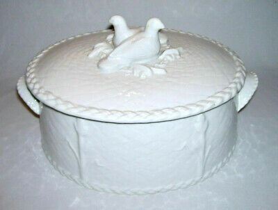 """ROYAL WORCESTER ~ White Oval """"Birds"""" COVERED CASSEROLE (Gourmet Embossed) 4 Qt."""