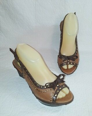 c4310ec5df1 B MAKOWSKY Women s Sz 7 Wedge Open Toe Sling Back Heels Brown Leather w   Studs