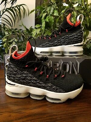 huge selection of ee9b2 fc48f Nike Lebron James XV (GS) AQ6176 002 Size 5.5Y THESPOT917