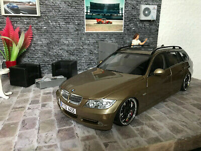 1:18 Kyosho BMW 330i Touring 2005 lightbrown-metallic