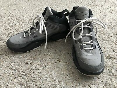 uk availability 7a077 4e77d NIKE AIR JORDANS Boys Youth Size 6Y Gray Athletic Sneakers Basketball Shoes