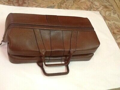 Vintage DOPP 140 Leather Travel Bag By Buxton USA Made Top Grain Cowhide