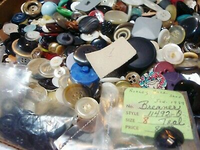 big LOT * 4 POUNDS * lbs hundreds hundreds vintage clean SEWING CLOTHING BUTTONS