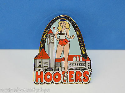 Hooters Girl Sparkling Arch Union Station Pin St Louis Mo