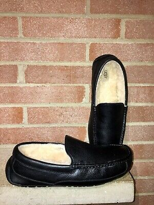dc54c499a09 UGG MENS MOCCASSINS 5379 Ascot Black Leather Shearling Slippers sz 12