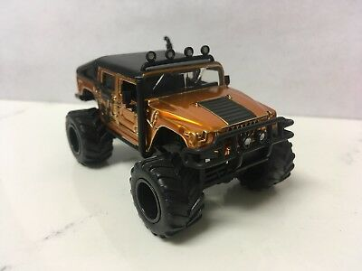 2006 06 Hummer H1 Lifted Off Road Collectible 1/64 Scale Diecast Diorama Model