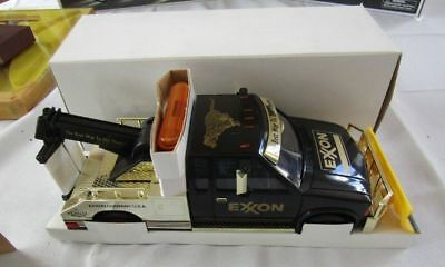 1999 Exxon Gold Collector Edition Tow Truck -New In Box !!!