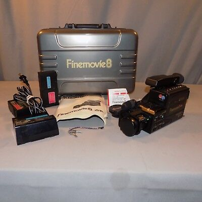Kyocera Yashica KD 3010 Finemovie video8 camcorder batteries charger works vgc