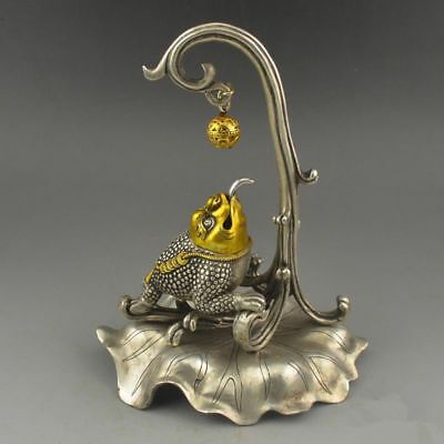 Old China Tibetan silver Gilt Handwork Toad Take the ball Figurines Statues