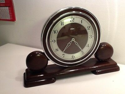 Vintage Deco Metamec Dereham Chrome Disc,Oak mounted Mechanical Mantel Clock