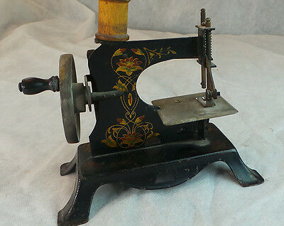 Antique Vintage Casige Childs Metal Sewing Machine