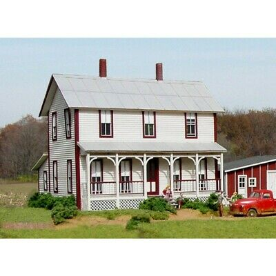 American Model Builders 140 - Two Story Farm House - HO Scale Kit