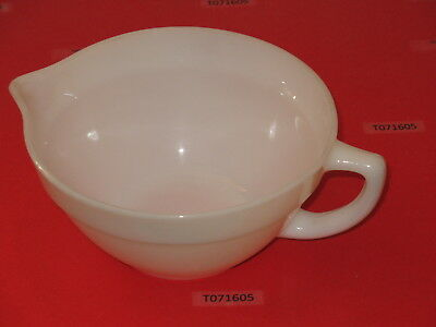 """OVEN Fire King WARE batter BOWL 7-5/8"""" OD x 3-7/8"""" tall Ivory white milk glass"""