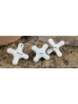White Porcelain Or China Cross-Arm Interior Residential Bathroom Needle Shower H