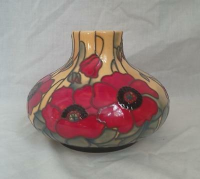 Old Tupton Ware YELLOW POPPY Hand Painted Tube Lined 4 inch Squat Vase