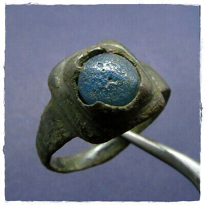 ** BLUE STONE ** Ancient BRONZE Roman ring !!!