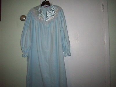 Beth Michaels Womens Large 16-18 Long Light Blue Nightgown W/Lace& Partial zip