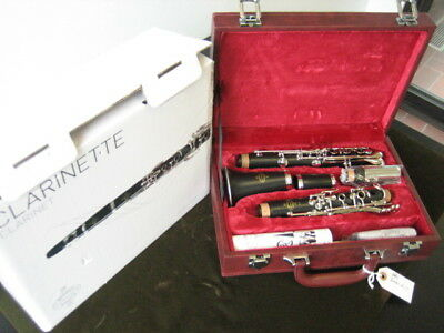 NEW / DEMO BUFFET-CRAMPON MODEL E-11 WOOD Bb CLARINET with WARRANTY!