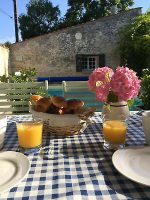 Holiday cottage South west France private pool May £560 1.5 hours from Bordeaux