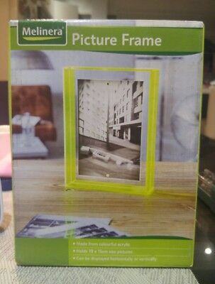 10 x 15cm Freestanding Polished Clear Acrylic Magnetic Picture Photo Frame