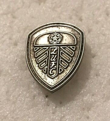 Leeds United Supporter Enamel Badge Antique Silver Crest Design