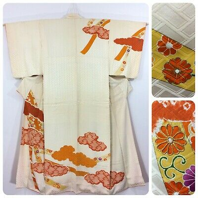 Japanese women's kimono, cream,silk, flowers, medium, Japan import (K2465)