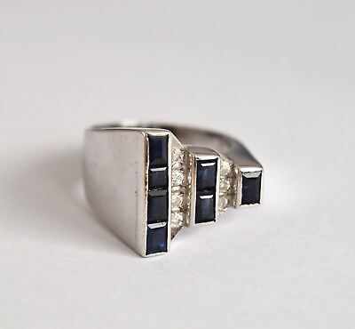 Superb 14ct white gold diamond and sapphire late Art Deco ring, c.1930s - 1940s