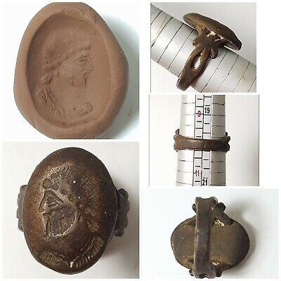 Fantastic antique bronze intaglio ring