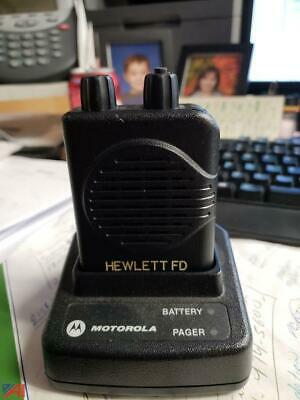 Motorola Minitor V Pager Stored Voice Low Band 47.1250-48.9950 MHz w/ Charger