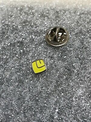 Leeds United Supporter Enamel Badge  Rare - Small & Discreet 1970's Crest Design